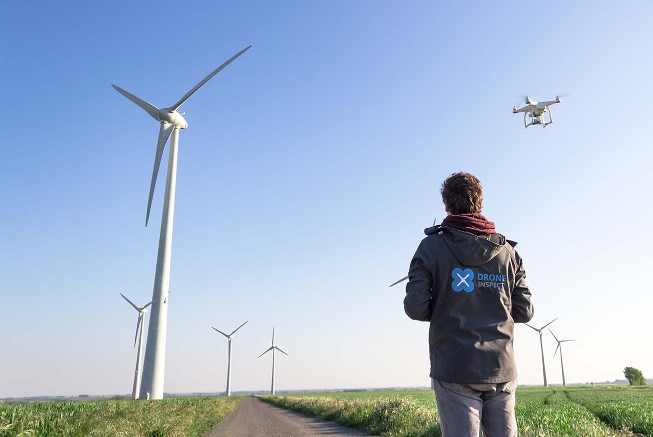 Télépilote inspection éolienne