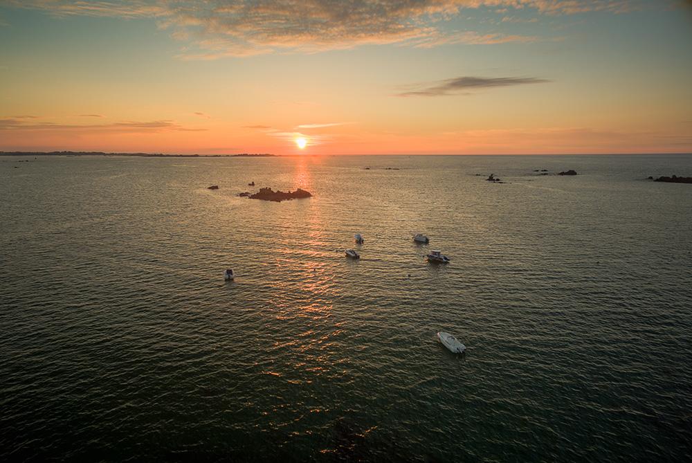 Bretagne bateaux et coucher de soleil